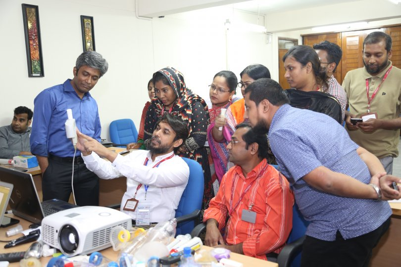 Physicians learning hands-on spirometry