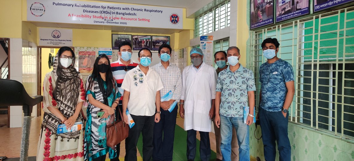 A group of young researchers from Bangladesh Lung Foundation visited Monsur Habib's practice to watching the assessment of patients for PR.