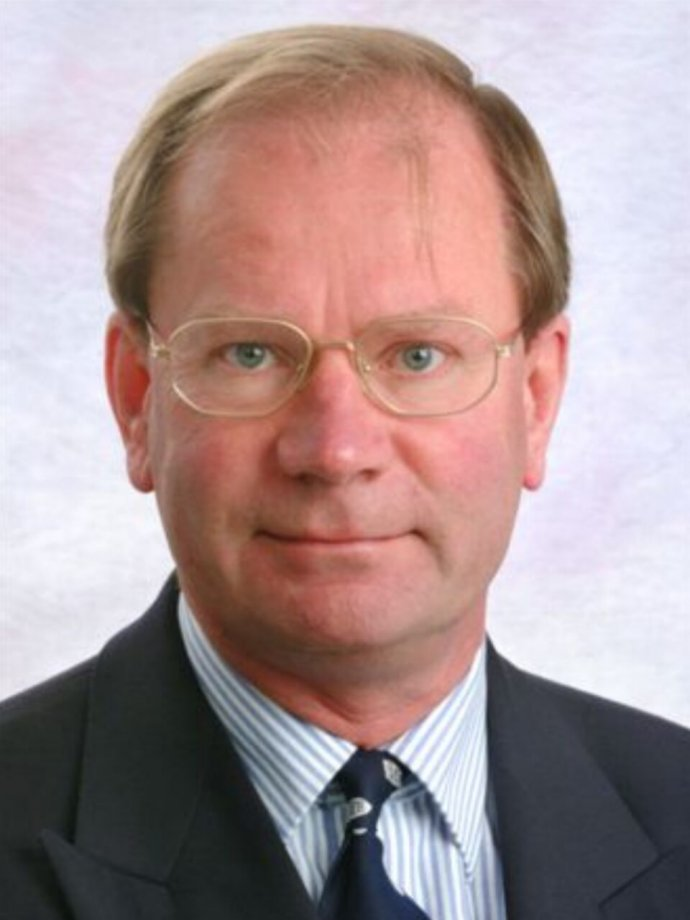 Stephen T Holgate